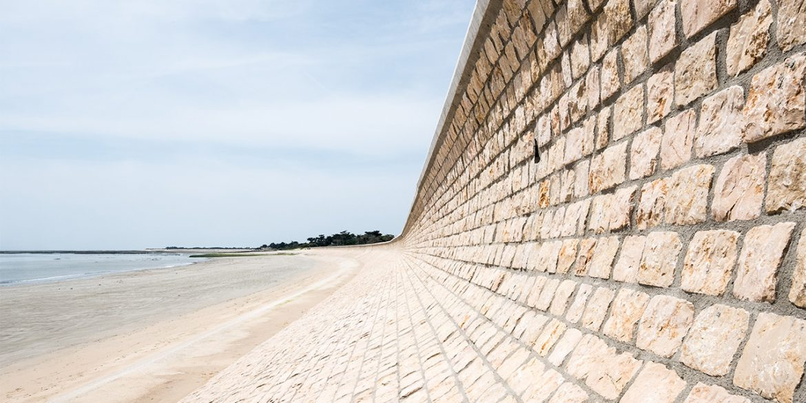 Retaining wall by the sea